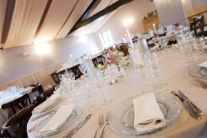 A table - La fontaine aux pies - Dalhem - salle de mariage